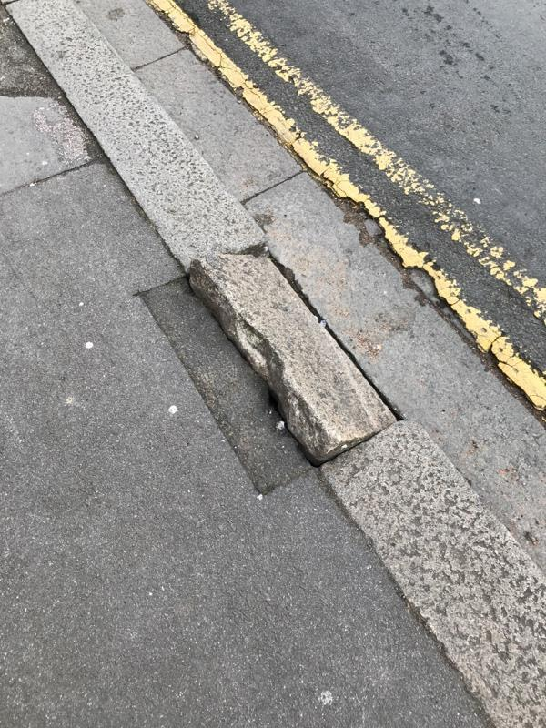 Curb broken-10 Prospect Street, Reading, RG1 7YG