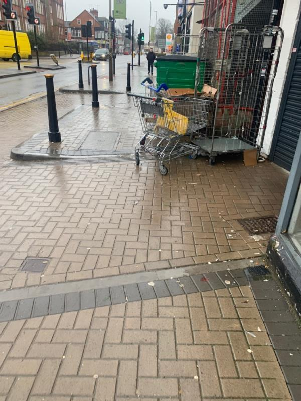 This is always like this and people can't get past with 2 meters -150 Narborough Road, Leicester, LE3 0BT