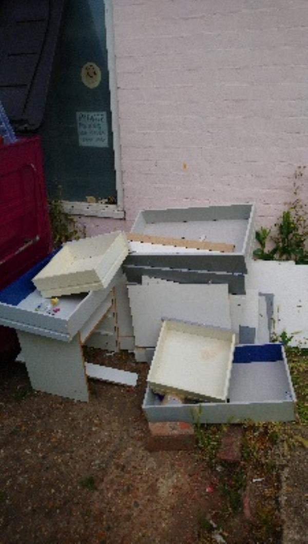 Fly tipping cleared -1a Pitcroft Avenue, Reading, RG6 1LH