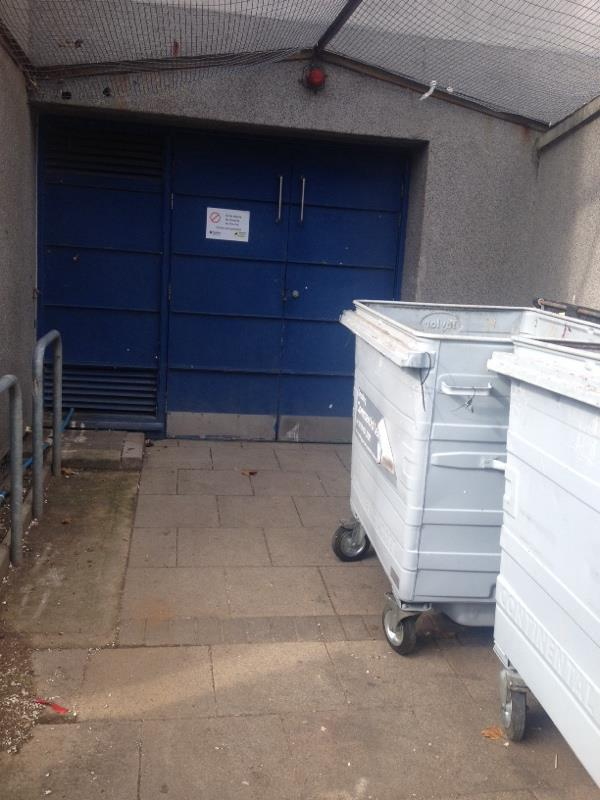 Wash down bin stores-Irving Court, 203 Wensley Road, Reading, RG1 6EB