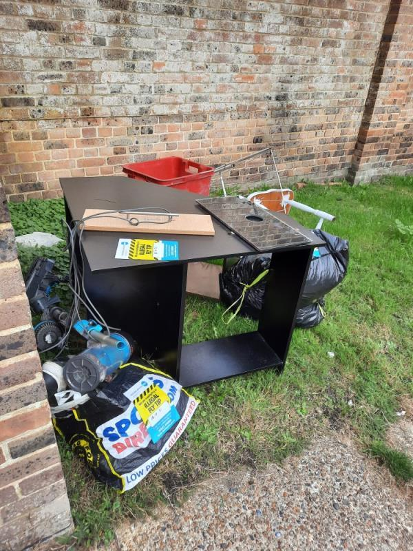 Williams ct Etchingham rd fly tipping   House wst  Please clear all  Thanks john-15 Williams Court Priory Road, Eastbourne, BN23 7AU