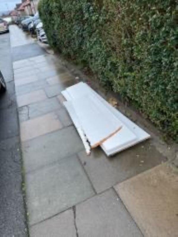 Please clear flytip-116 Shroffold Road, Bromley, BR1 5PF