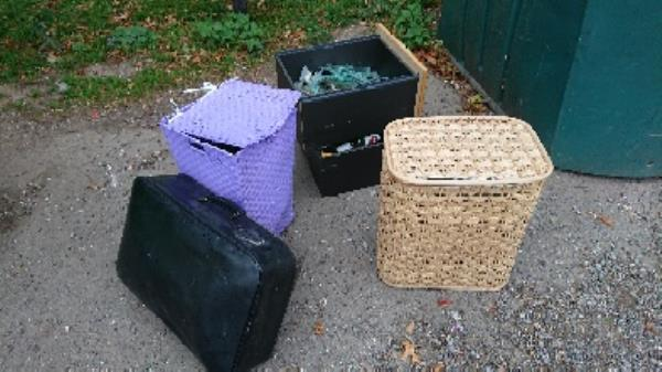 House old waste removedl fly tipping on going at this site -1 Ashmore Road, Reading, RG2 8AG