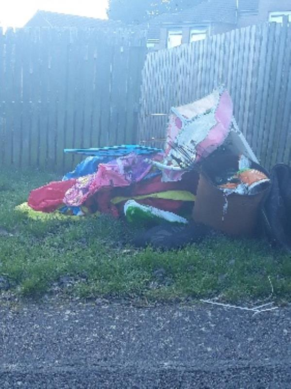 fly tipping on moss gate new parks -29 Mossgate, Leicester, LE3 9JW