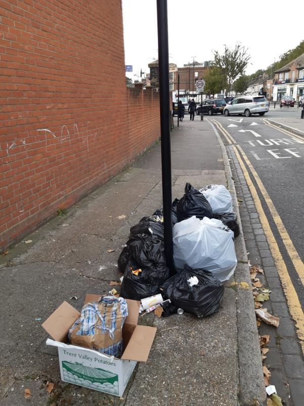 Builders waste-53 Perth Rd, London E13 9DS, UK