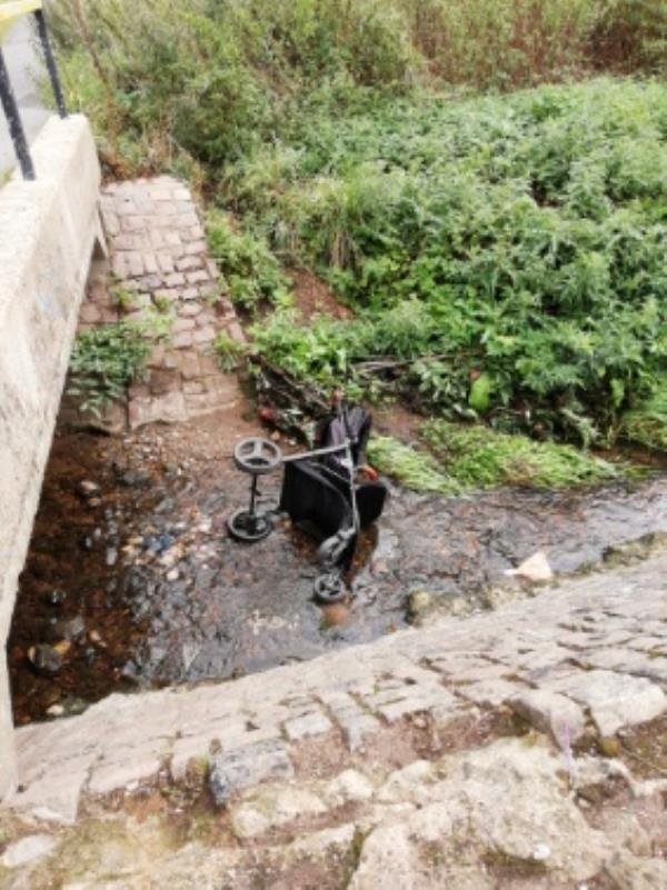 Pram in the stream-301 Gooding Avenue, Leicester, LE3 1JW
