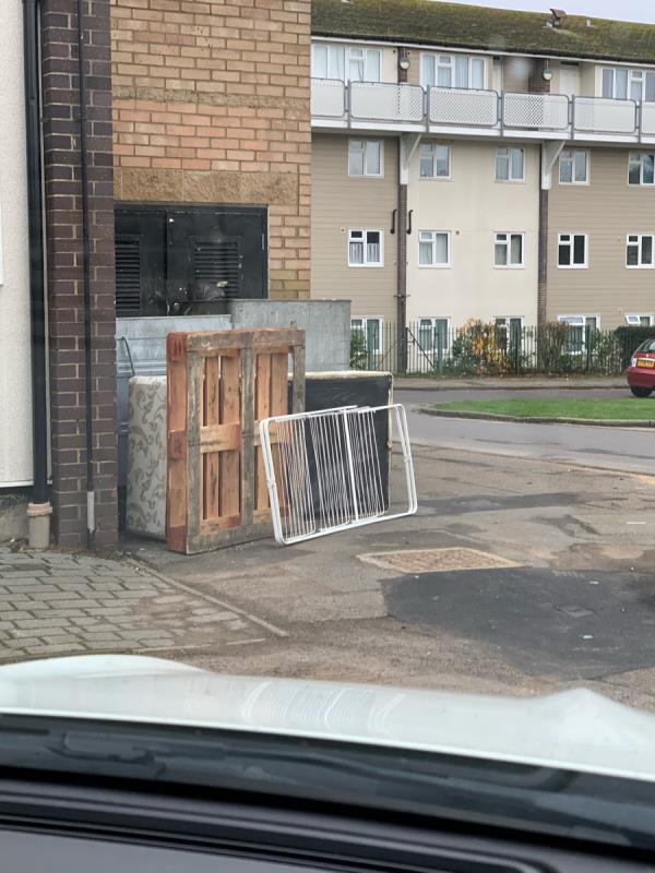 Fly tipping-1a Bamburgh Close, Reading, RG2 7UD