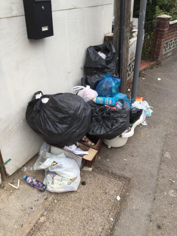 fly tipping beside 1 Salisbury Road on street-1a Salisbury Road, Reading, RG30 1BH
