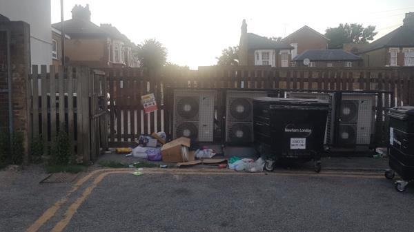 general household waste and a toilet. Hopefully you can find it this time...-829A Romford Rd, Manor Park, London E12 6EA, UK