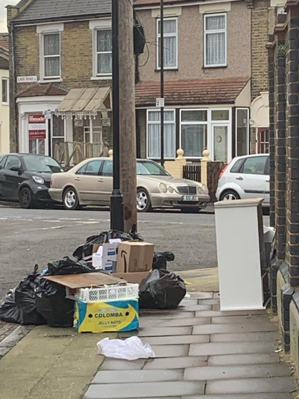 As evidence by the photo taken, our good street sweepers leave their collected rubbish to be later collected. However, it has attracted a lot of flytippers leaving their household waste and bulky items in that same area to follow suit. When left uncollected for a long time, all rubbish debris ended right in the sewage (which is right in-front of the area they leave the blue plastic bags), on the streets that attracts more litter.  -19 Hollybush Street, Plaistow, E13 9EA