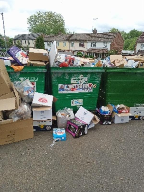 contaminated recycling/excess waste -330 Wensley Road, Reading, RG1 6ED