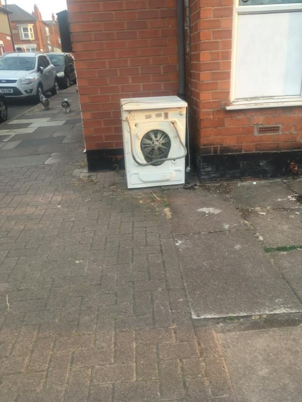 Dumping -40a Danvers Road, Leicester, LE3 2AD