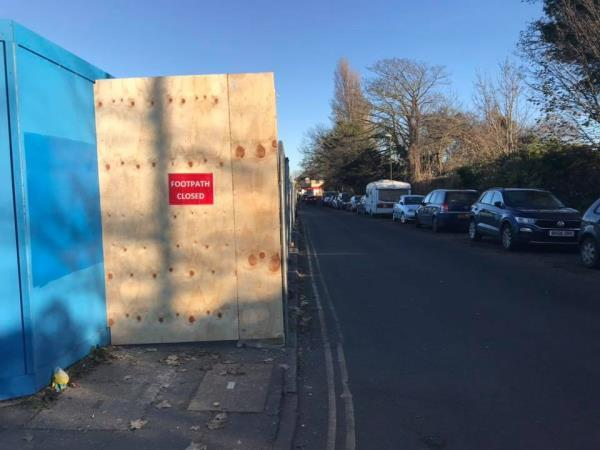 The private construction work has blocked the entire pavement