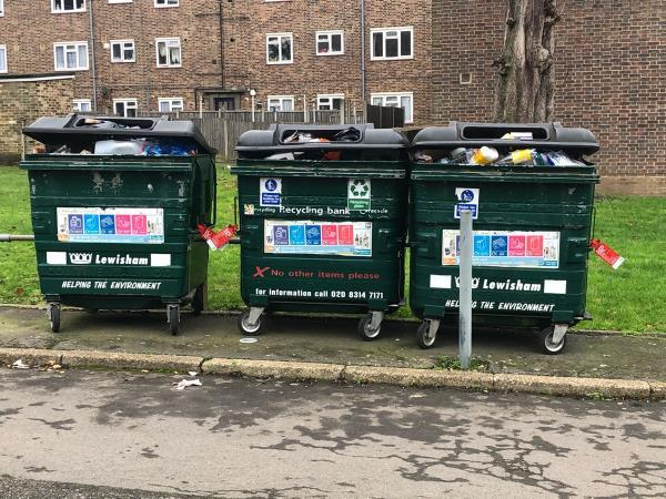 Logged this already and got an email to say completed but this isn't. Still not collected #lewishamcouncil #contaminatedrecycling #brastedclose #lewishamhomes-15 Brasted Close, London, SE26 4LT