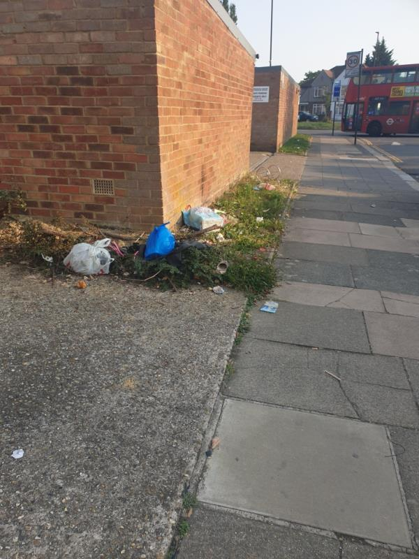 general litter and waste-1 Amber Court, 6 Longford Avenue, London, UB1 3QS
