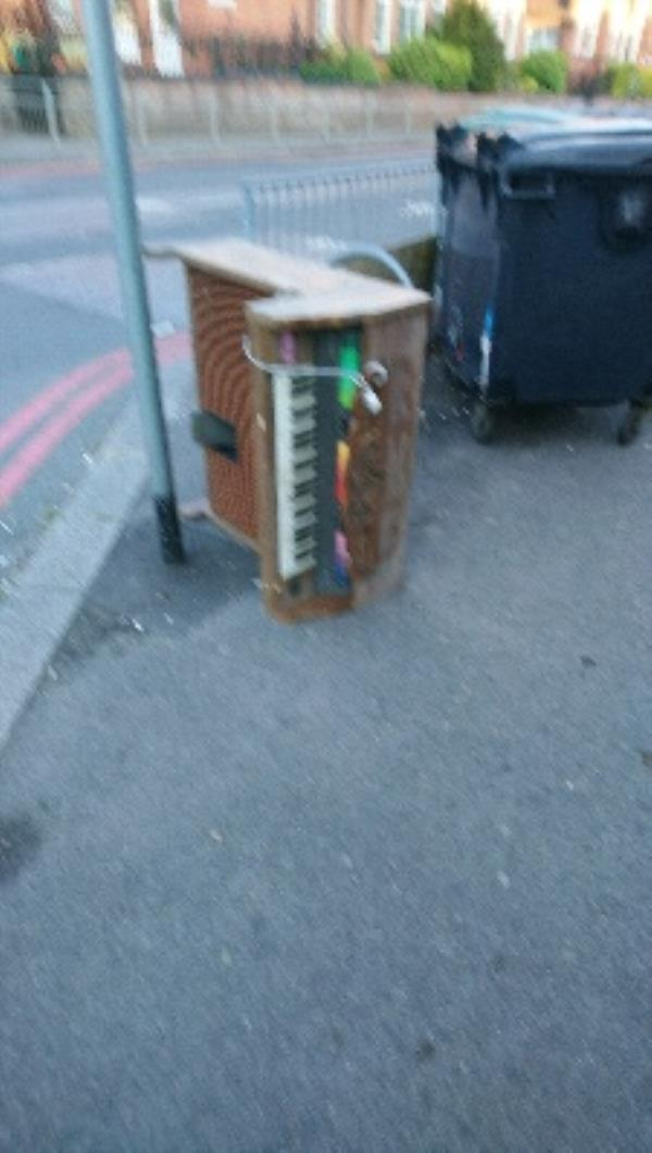 fly tipped-87 Wokingham Rd, Reading RG6 1LH, UK