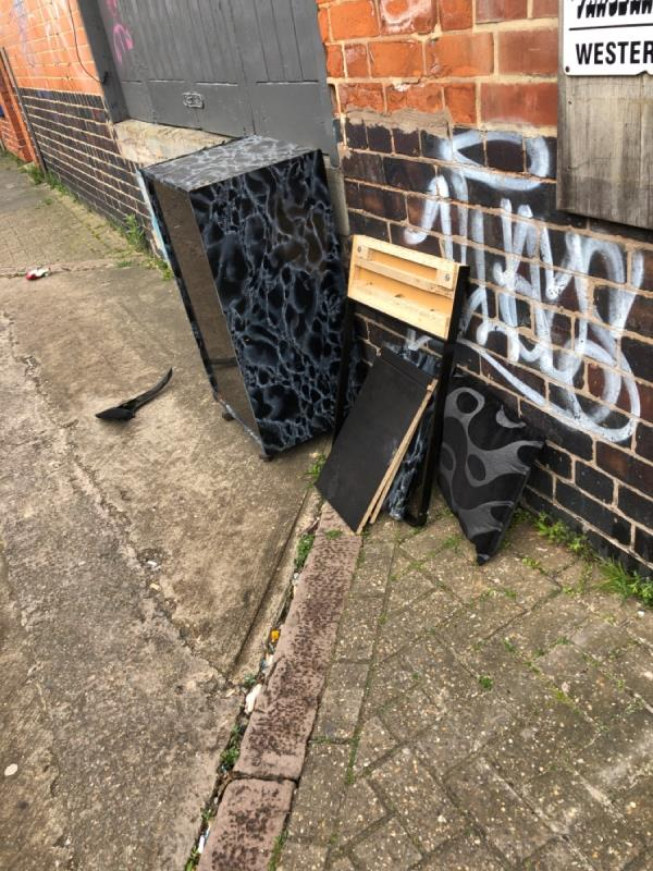 Fly tipping -240 Western Road, Leicester, LE3 0EA