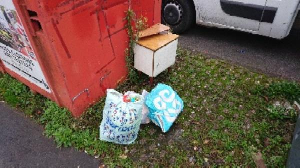 house old waste removedl fly tipping -144 Whitley Wood Lane, Reading, RG2 8PP