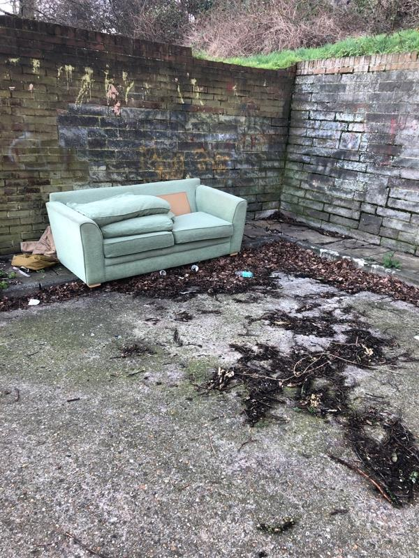 Abandoned sofa-35 Strathy Cl, Reading RG30 2PP, UK