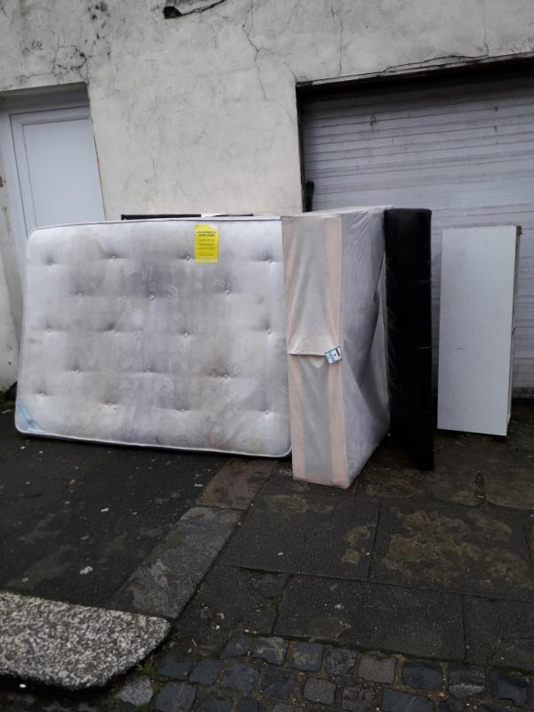 mattress, bed base-2f Braemar Road, Plaistow, E13 8EH