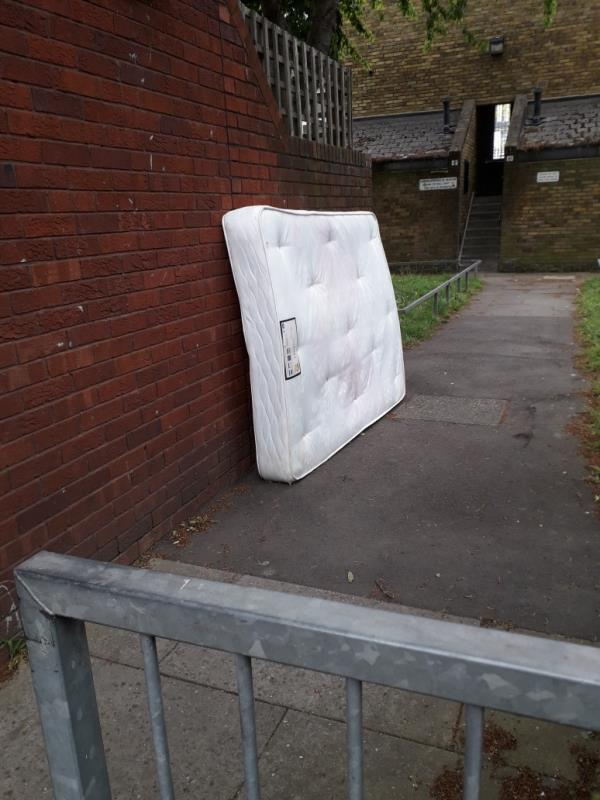 mattress -7b Abbots Road, East Ham, E6 1LZ