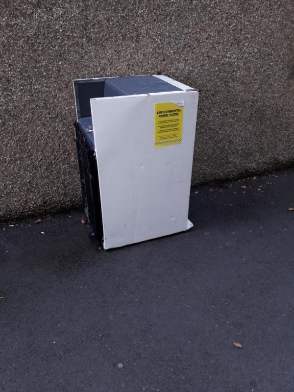 fridge -144 Denmark St, London E13 8JU, UK