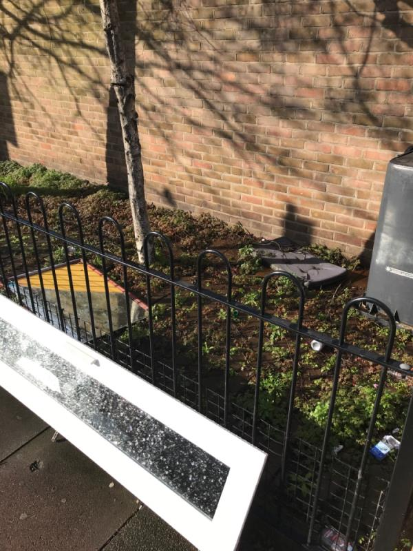Loss of dumped rubbish and litter. And the gate is open so you don't have to be lazy and leave it for weeks and weeks on end. -9 Dowsett Road, London, N17 9DA