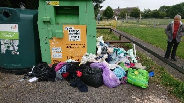 Clothing bank needs to be emptied -3 Neath Gardens, Reading, RG30 4UL