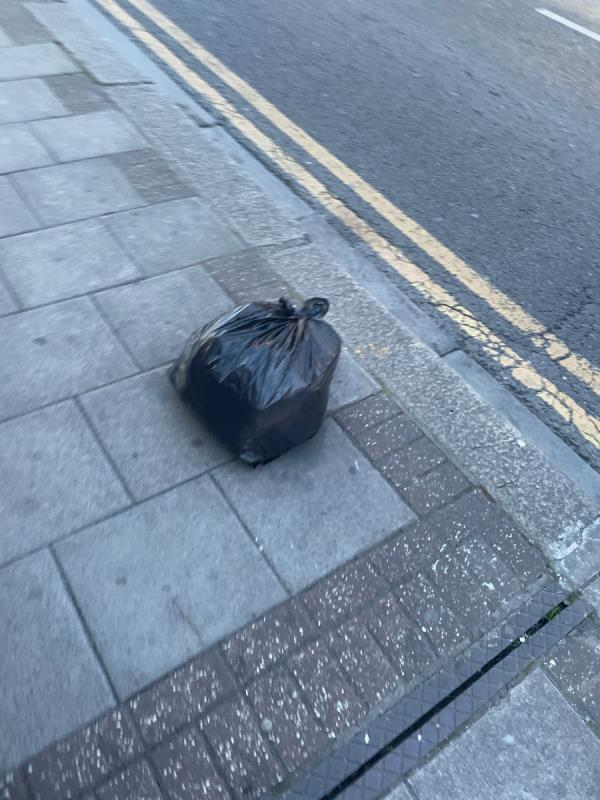 Rubbish -285 High St N, Manor Park, London E12 6SL, UK
