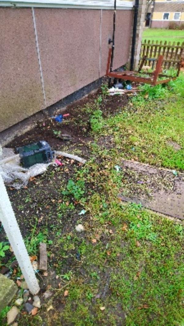 Fly tip in rear of 139-145 Newcastle Road -141 Newcastle Road, Reading, RG2 7TW