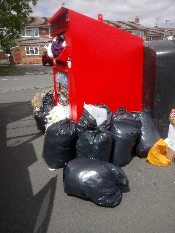 Fly tipping reported and cleared -3 Harvaston Parade, Reading, RG30 4LP