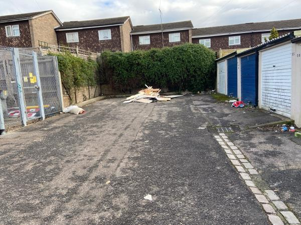 Fly tipping -64 Newcastle Road, Reading, RG2 7TS