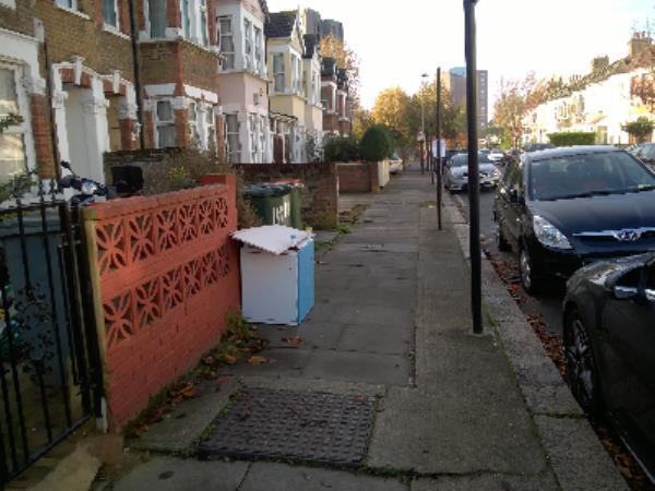 wood chest-37 Victoria Avenue, London, E6 1EX