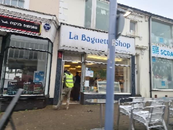 la baguette shop newhaven high street open for takaway more than 1 customer in shop-26 South Way, Newhaven, BN9 9QX