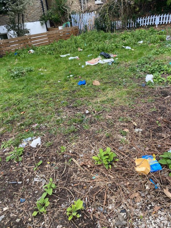 This is the most depressing use of green space - always filthy -Unit 10, 87 Old Road, London, SE13 5PJ
