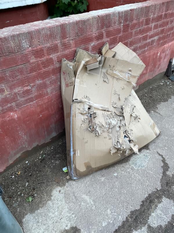 Rubbish  image 1-102 Byron Avenue, Manor Park, E12 6NG