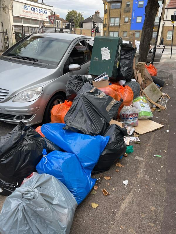 Saw this load of rubbish around 3pm today image 1-931C Romford Rd, London E12 5JT, UK