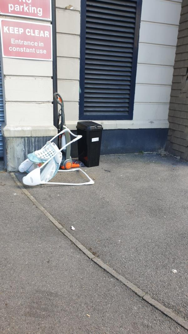 Dumped waste-7 CHEAPSIDE, Reading, RG1 7AG