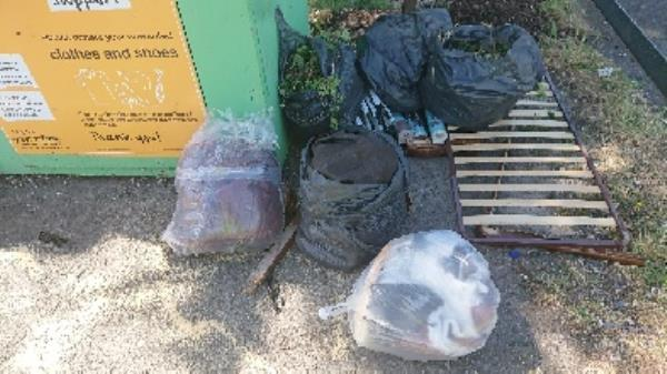 House old waste removedl fly tipping garden waste removedl -79 Church End Lane, Reading, RG30 4UR