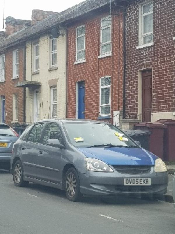 abandoned car for over 3 weeks-6a Howard Street, Reading, RG1 7XS