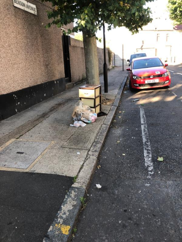 Corner of Boundary rd with Benson Avenue. Drawers, rubbish-1a Boundary Road, Plaistow, E13 9PS