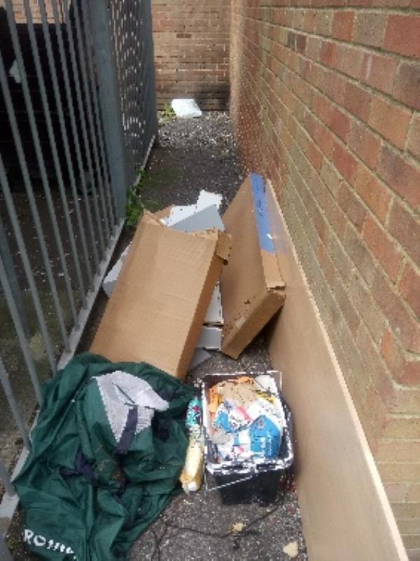 Fly tipping reported and cleared -44 Coronation Square, Reading, RG30 3QN
