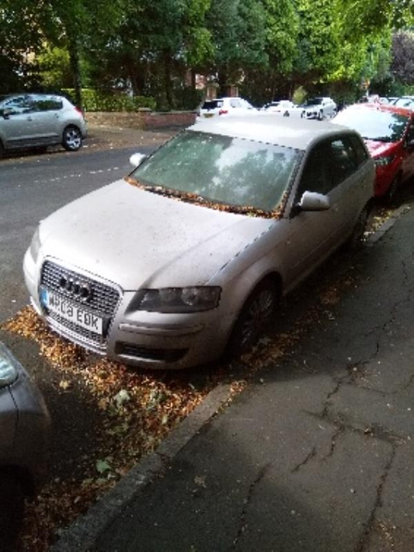 this car has not moved in months and no longer has an mot.-4 Knighton Park Rd, Leicester LE2 1ZA, UK