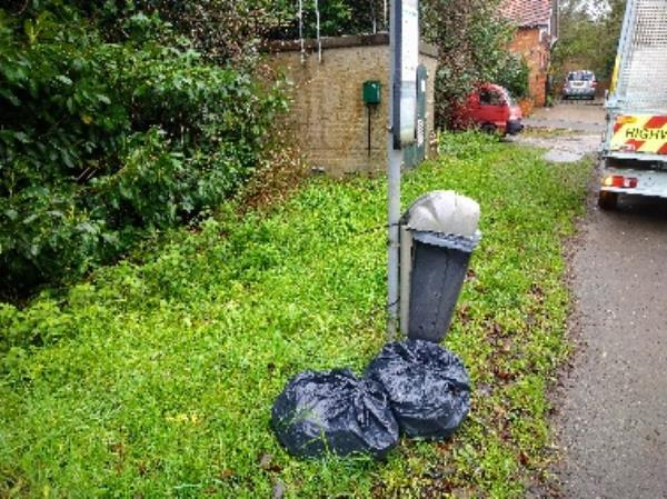 Flytipped bags household waste no evidence /taken -The Roebuck Oxford Road, Reading, RG31 6RN